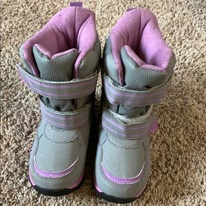 Toddler size 8 Totes brand winter boots! EUC